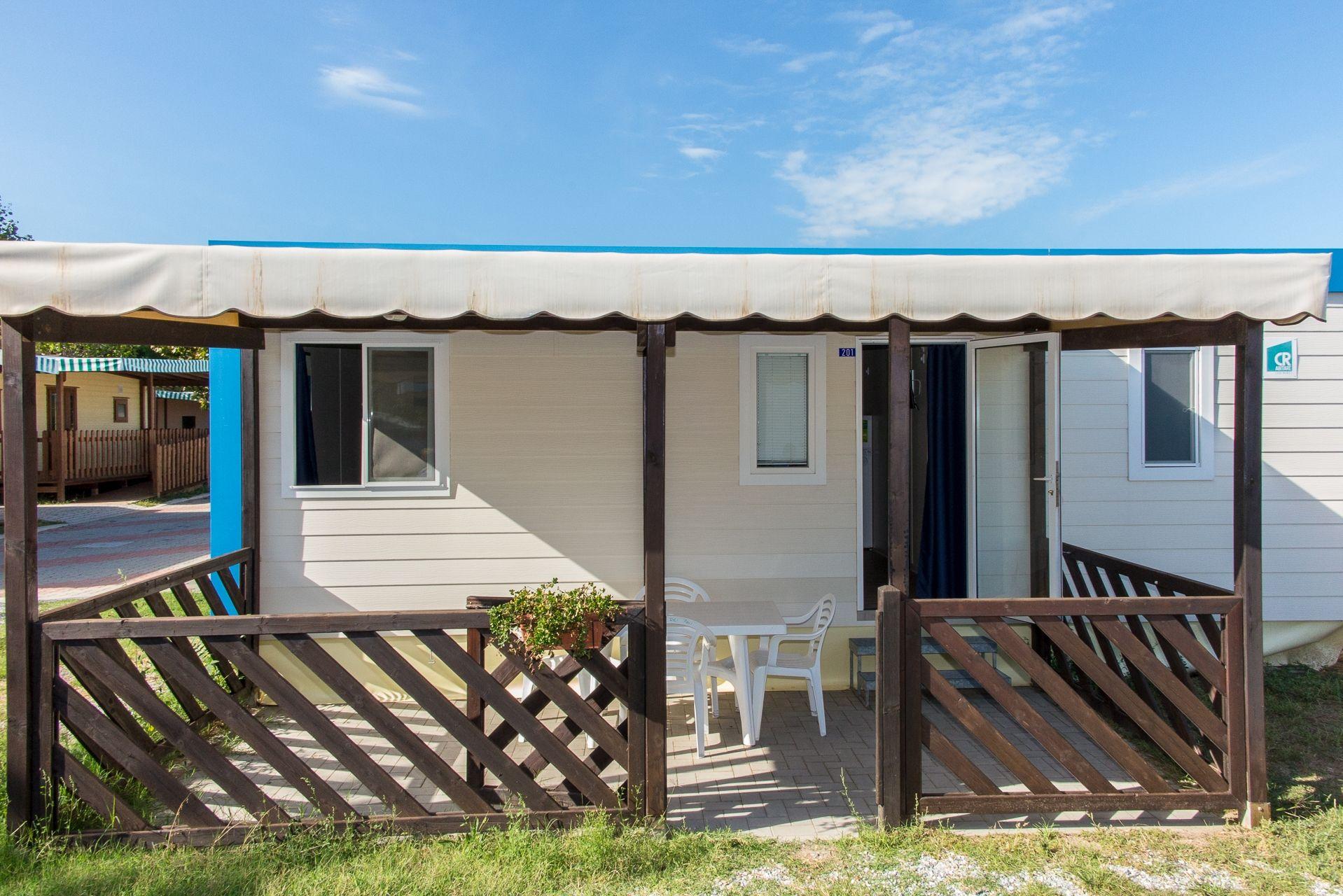 Foto e video villaggio dei pini gallery camping 3 stelle for Planimetrie dei bungalow spagnoli