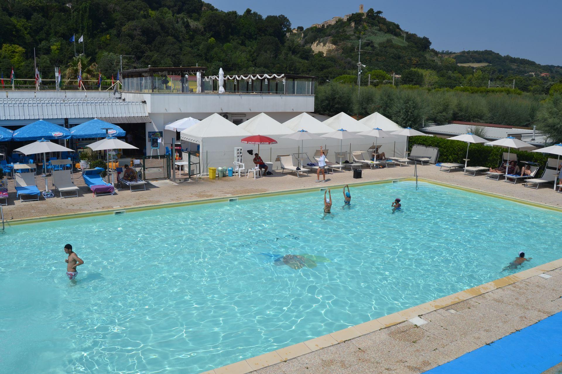 Girasole camping village camping 4 stelle fermo marche campeggi con piscina marche - Campeggi con piscina marche ...