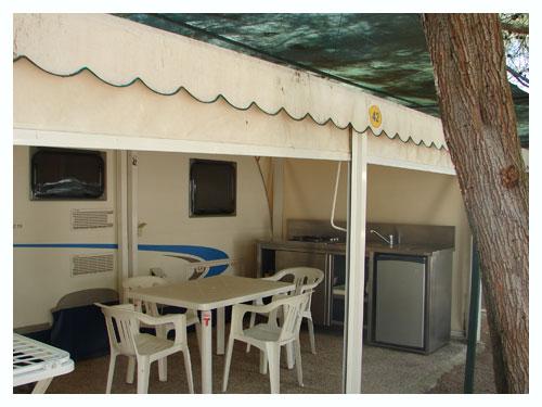 {bk-lang:torrecastiglione-struttura-caravan-special}