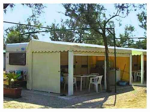 {bk-lang:torrecastiglione-struttura-caravan-veranda}